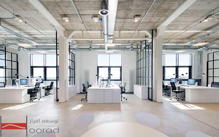 استفاده از نور طبیعی و مصنوعی در نورپردازی فضای اداری